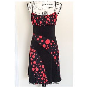 Dresses & Skirts - ❤️Beautiful red and black spaghetti dress❤️